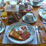 Breakfast & Dining Room
