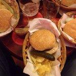 Hamburguesas con los amigos