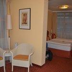Detalle sala de estar y zona dormitorio