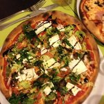 The pizza with goat cheese and balsamic