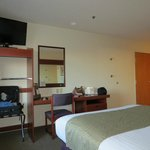 Foto de Microtel Inn & Suites by Wyndham Bridgeport
