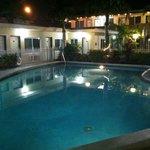 Nice area. 8ft. pool. Clean.