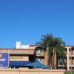 Fachada do Hotel Vagabond Inn Executive Pasadena