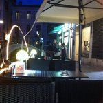 Table dans la ruelle