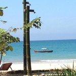 Douche de plage en bambou
