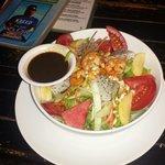 Pan-Asian Salad schmeckt lecker ist reichlich