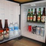 Mini fridge mucha cerveza