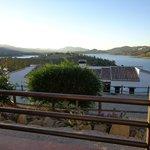 Uitzicht vanaf ons terras op het meer