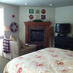 Room #203 - The Cabin Room