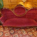 Lobby Antiques Charming
