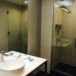 Bathroom - all new modern fixtures