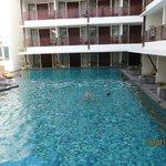 Sun Island Kuta pool and rooms