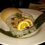"""""""Live scallop"""" sushi"""