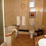 Salle de bain chambre club 105
