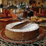 La colazione (mitica torta di nocciole!)