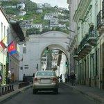 Rua que segue ao Panecillo