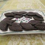 Foglie di cioccolato fondente