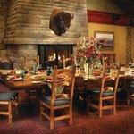 Jasper Dining - Moose's Nook Restaurant