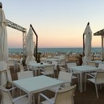 Ristorante sulla spiaggia: suggestivo e di qualità !!!...