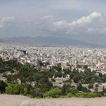 Vue d' Athénes à mi chemin de l' Acropole