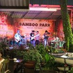 Live music at Papa's Music Garden - Amazing atmosphere