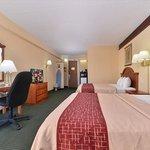 Foto de Red Roof Inn & Suites Newark - University