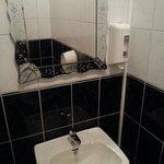clean WC