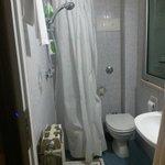 tenda doccia con scarico a pavimento