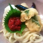 Cold udon noodles with eel tempura