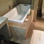 Room Ambre bath