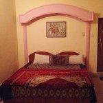 Pretty room but lacks proper bedsheets