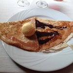 "Crêpe ""Orangine"" marmelade d'orange et chocolat boule de glace orange"