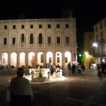 la fontana di sera