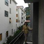 Вид с балкона на гору