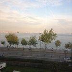 May. 2013 イスタンブール弾丸一人旅。 部屋からのマルマラ海がリゾート気分。