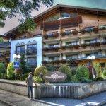 Hotel Tirolerhof - Frontseite