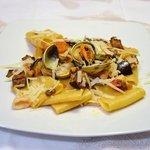 Paccheri di Gragnano con cozze vongole e pecorino