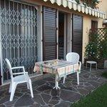 Eine kleine Terrasse mit einer sehr schönen Aussicht