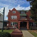 Photo de Thistledown at Seger House