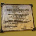 Inscripción en el ingreso de la Csa Urquiaga