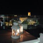 Terraza del hotel, vista nocturna