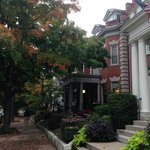 The homes along Monument Avenue