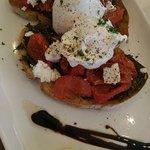 pesto tomato poached eggs