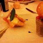 Caviale di melanzana alla menta + cestino di Grana con crema al sedano e brie
