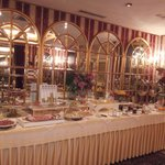 Frühstück im wundervollem spiegelsaal