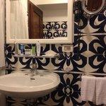 bathroom room 33