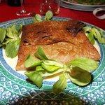 Galette bretonne au saumon, sauce échalottes