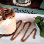 Banana Cheesecake with peanuts and caramel - wow!