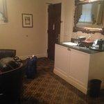 Wet bar/fridge and sitting area room 486