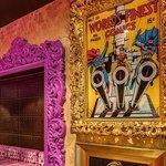 Le Baroque Restaurant - Art wall